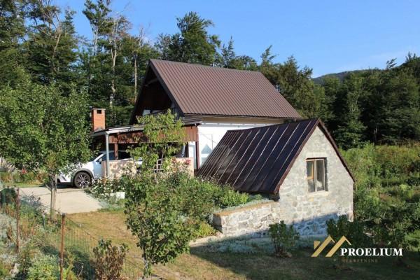Kuća za odmor, Baške Oštarije, 70 m2, građevinsko zemljište 2284 m2