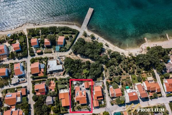 Kuća prvi red do mora, Petrčane, 320m2