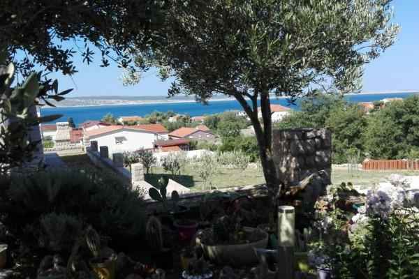 Apartman na TOP lokaciji sa pogledom na more, Starigrad, površine 52 m2, PRILIKA!