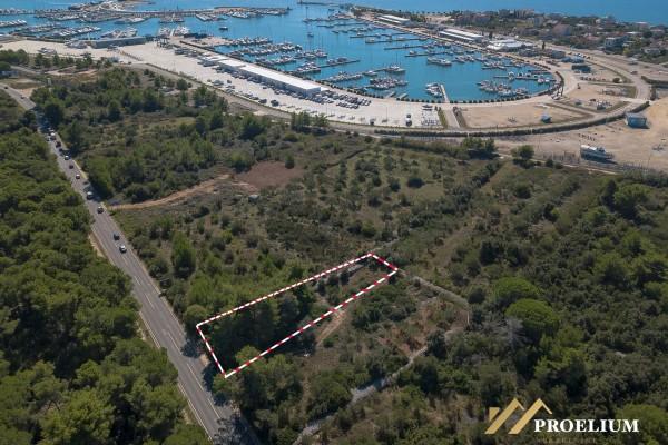 Građevinsko zemljište u blizini marine Dalmacija, Bibinje-Sukošan, 760m2