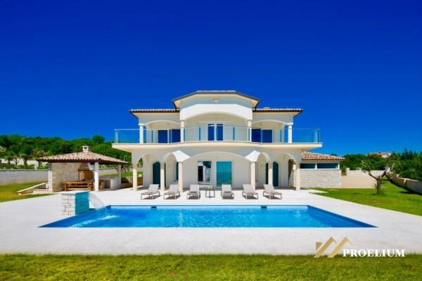Luksuzna vila sa bazenom, 350m2, Rabac